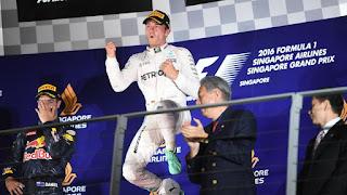 FÓRMULA 1 - Rosberg gana en Singapur y regresa al liderato
