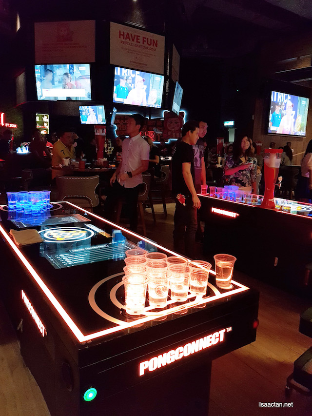 Hi-tech pong connect, a beer pong game