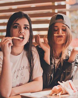 fotos tumblr de amigas comiendo divirtiendose
