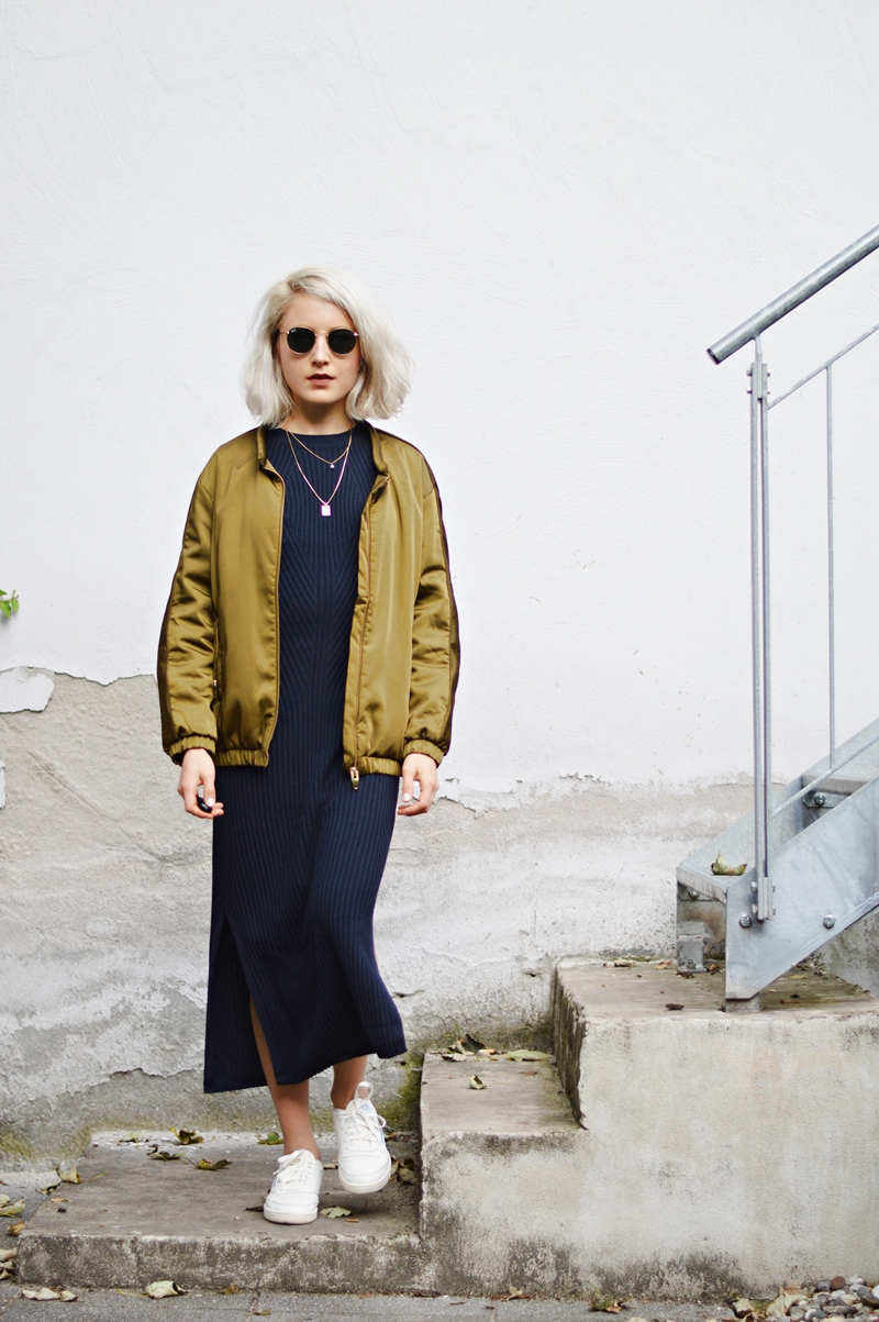 OUTFIT Knitted Maxidress & Bomberjacket // STANDPUNKT