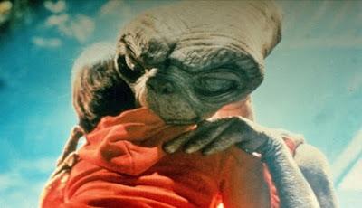 Bagaimana Reaksi Manusia Ketika Menemukan Alien?