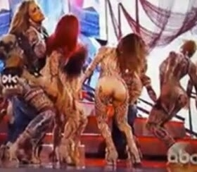 DISGRACE!! Jennifer Lopez's dancer rips her Pants & Exposed Her Privates during live performance at AMAs (Photos)
