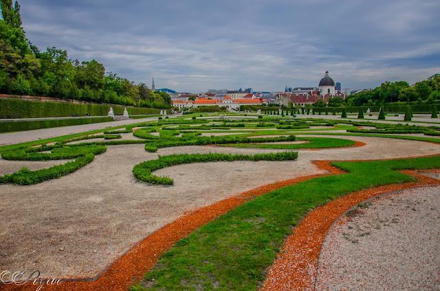 Градината-на-Белведере-Belvedere-Gardens