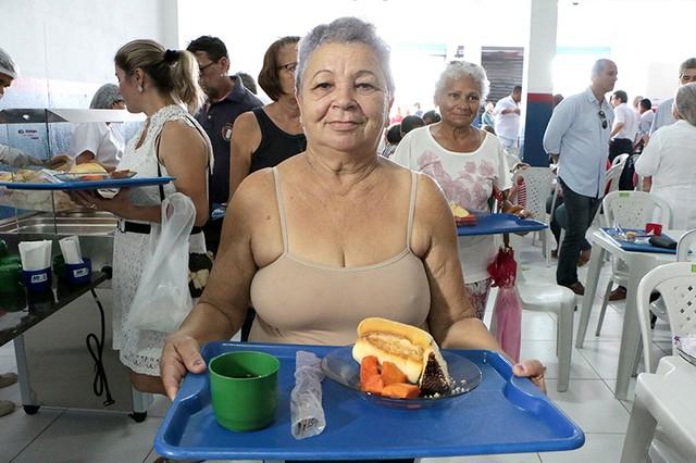 Governo inaugura 'Café Cidadão' que oferece café da manhã por R$ 0,50 em Parnamirim