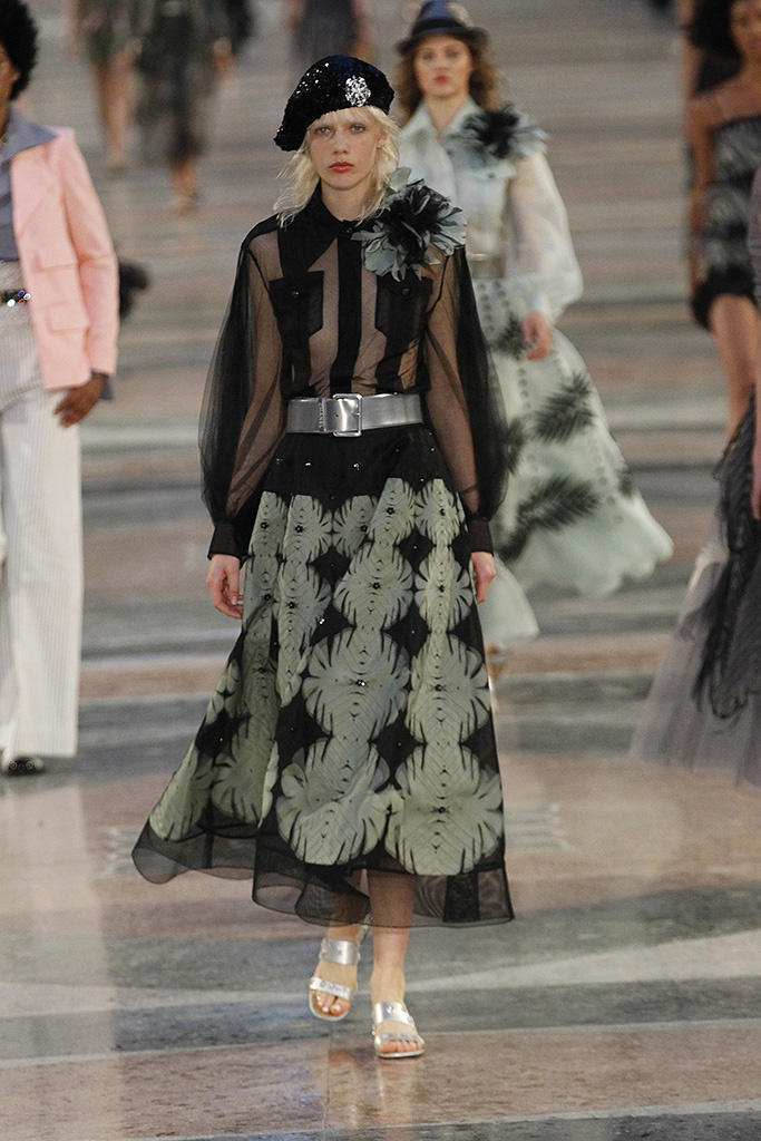 The Chanel cruise 2017 show in Havana, Cuba {Cool Chic Style Fashion}