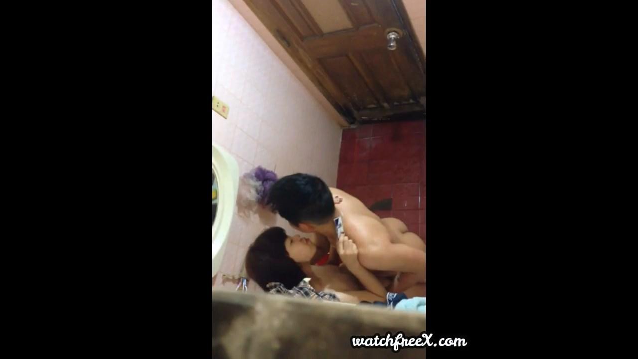 [VAV] Lén em hàng xóm và bạn trai vừa tắm vừa làm tình