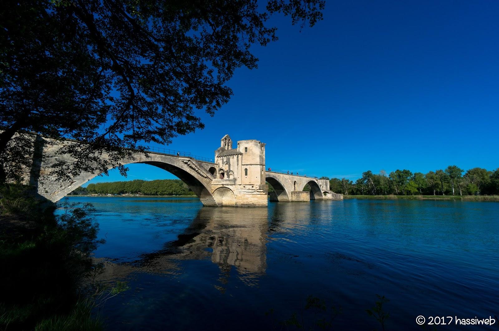 サン・べネぜ橋/アヴィニョン橋 (Pont Saint-Bénézet/ Pont d'Avignon)