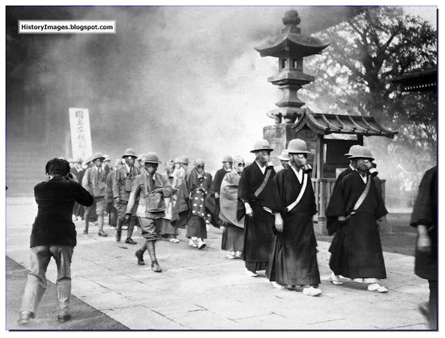 Buddhist monks Temple of Asakusa Great preparing  Second Sino-Japanese War  Tokyo