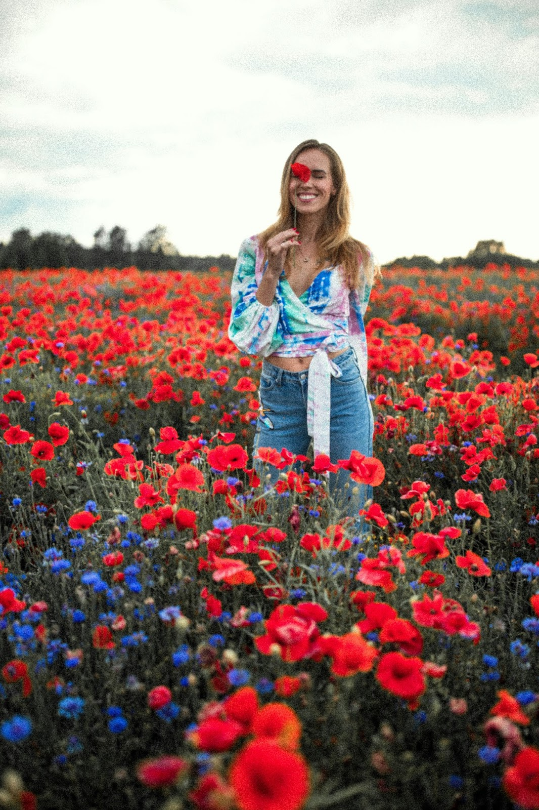 poppy field girl photography
