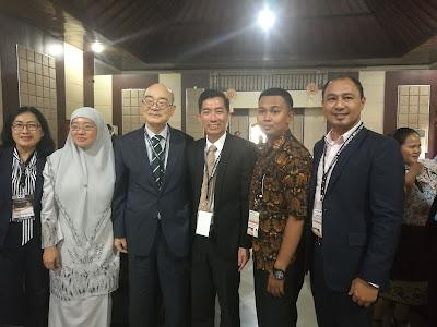 Bersama Timbalan Ketua Pengarah Pendidikan Malaysia, Dr Habibah