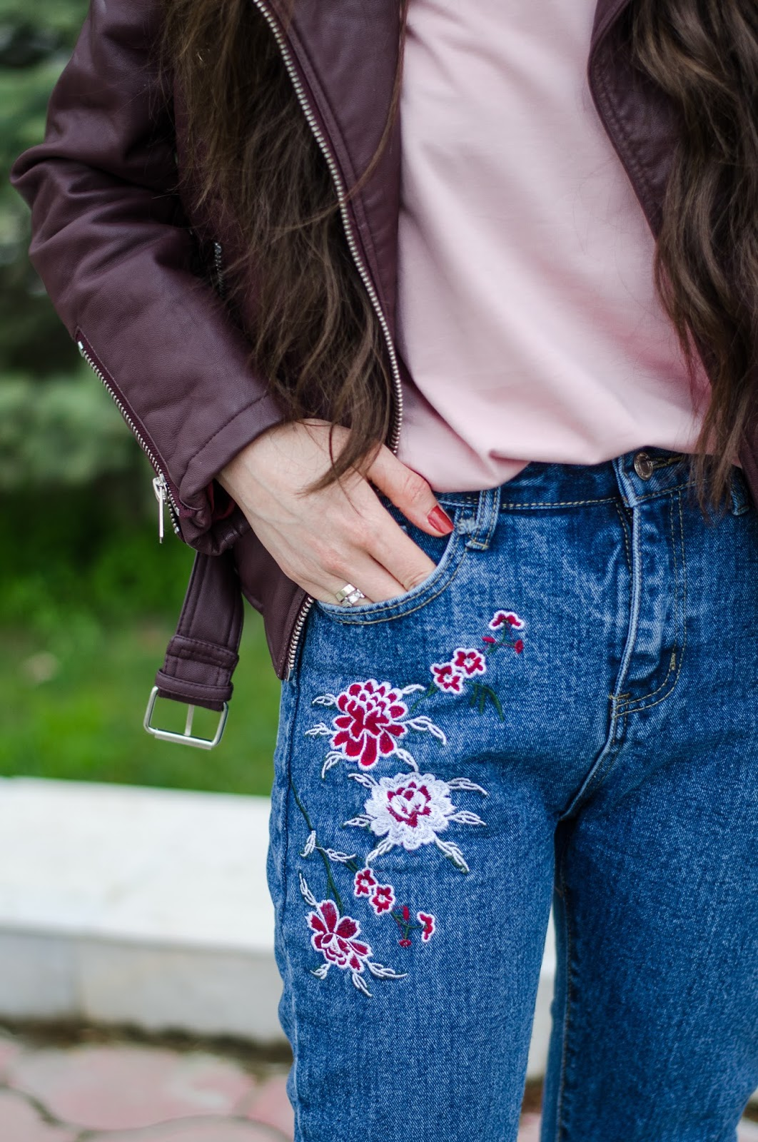 fashion%2Bblogger%2Bdiyorasnotes%2Bdiyora%2Bbeta%2Boutfitoftheday%2Bstreetstyle%2Bbaseball%2Bhat%2Bleather%2Bjacket%2Bembroidery%2Bjeans%2B%2B 11 - HOW I STYLE JEANS WITH EMBROIDERY