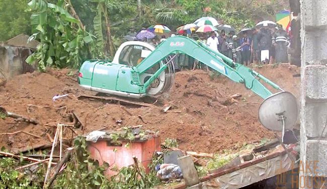 Six buried in Kadugannawa landslide