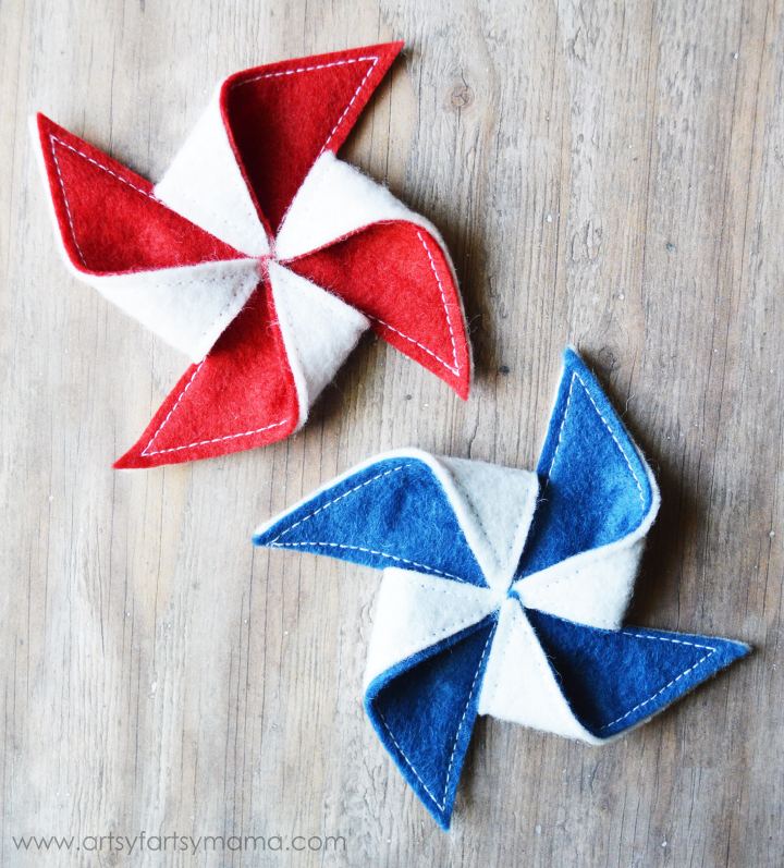 DIY Patriotic Pinwheel Hair Clip Tutorial at artsyfartsymama.com