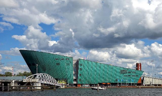 Museu de Ciências Nemo em Amsterdã