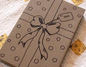 decorare regali di natale con pennarelli
