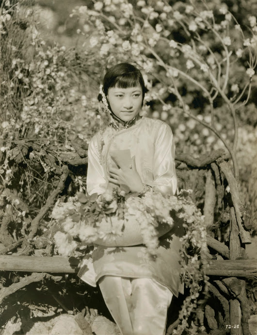 Anna May Wong in The Toll of the Sea