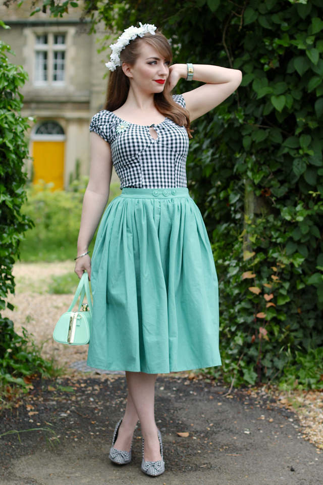 Mint green and monochrome 50s inspired summer outfit