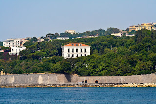 The Villa Rosebery overlooks the sea at Marechiaro