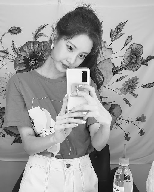 SNSD Seohyun Instagram Picture