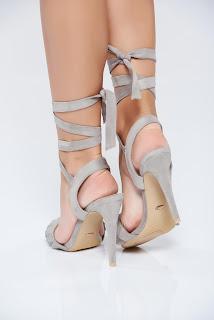 sandale-ce-iti-vor-face-vara-mai-frumoasa9