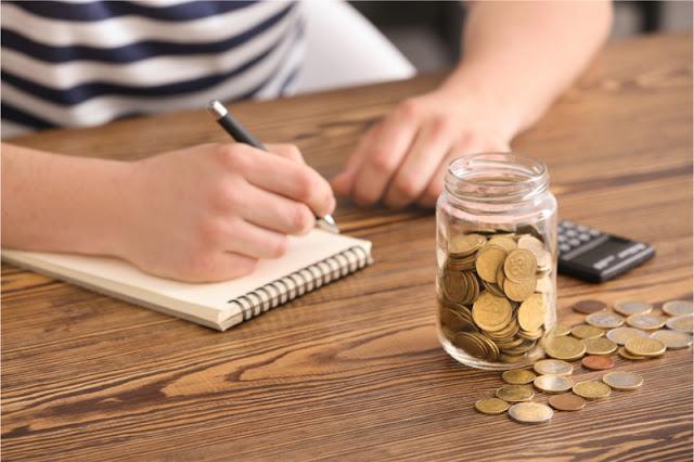 Hemat biar tidak terlilit hutang