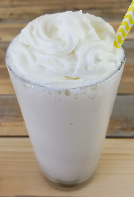 Banana Cream Pie Protein Smoothie Recipe - Easy, 3-ingredient, gluten-free protein shake