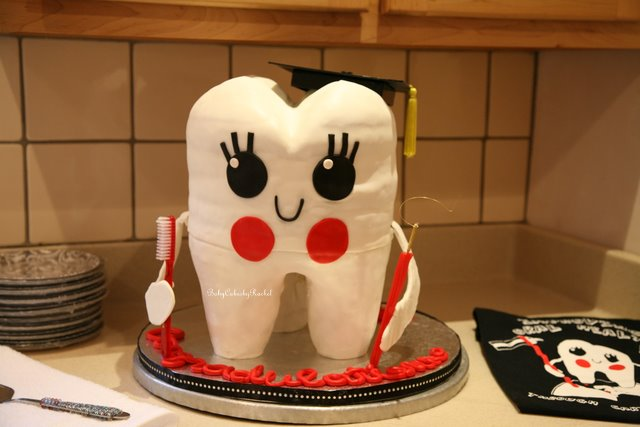Graduating Tooth Cake 2017