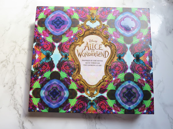 Alice In Wonderland Urban Eyeshadow Palette First Impressions | Beauty
