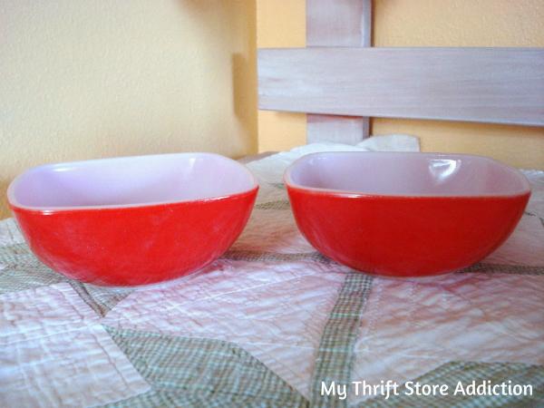 Vintage Pyrex Charm bowls