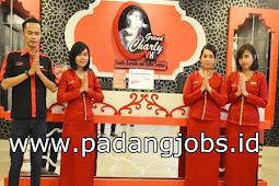 Lowongan Kerja Padang: Charly Vht Family Karaoke Juni 2018