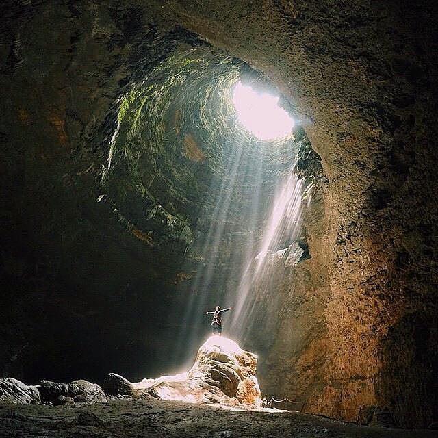 foto keren cahaya surga goa jomblang