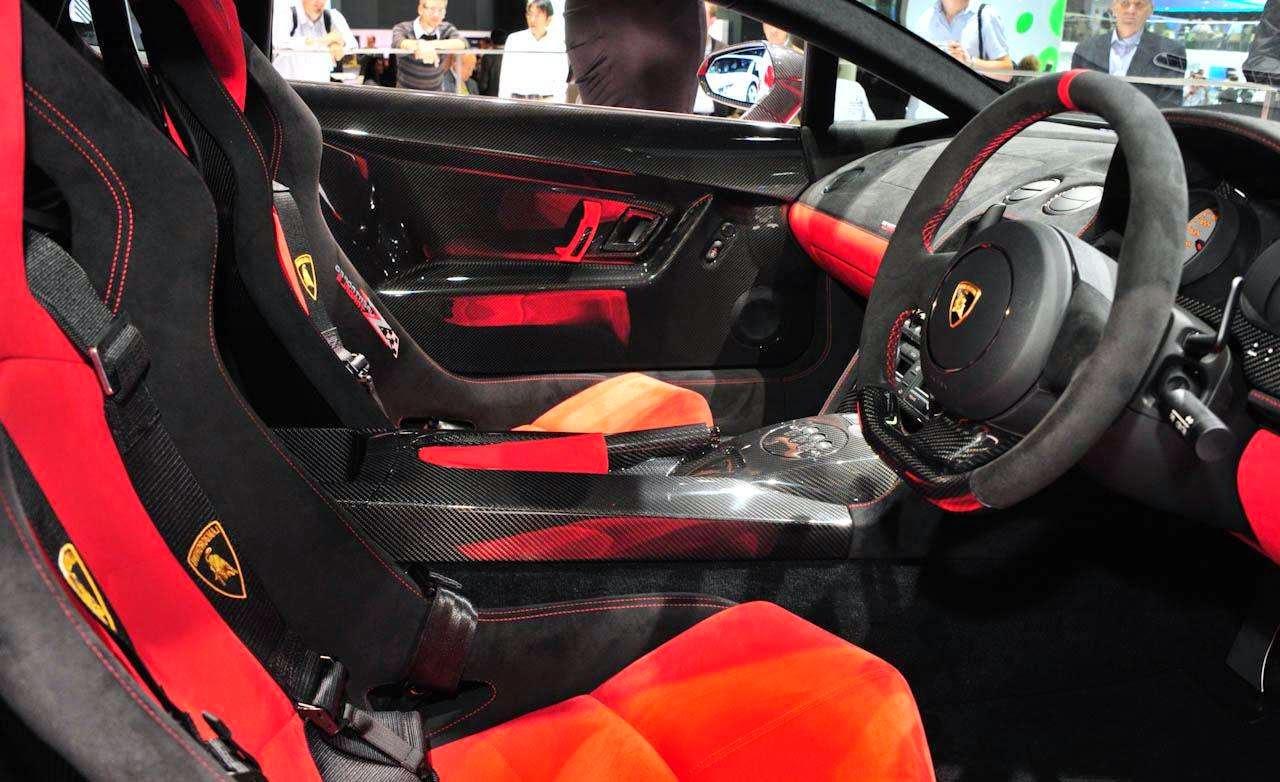 Haki 2 2012 Lamborghini Gallardo Interior