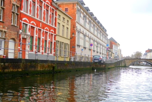 Spontaneous Solo Festive Trip to Bruges, Belgium
