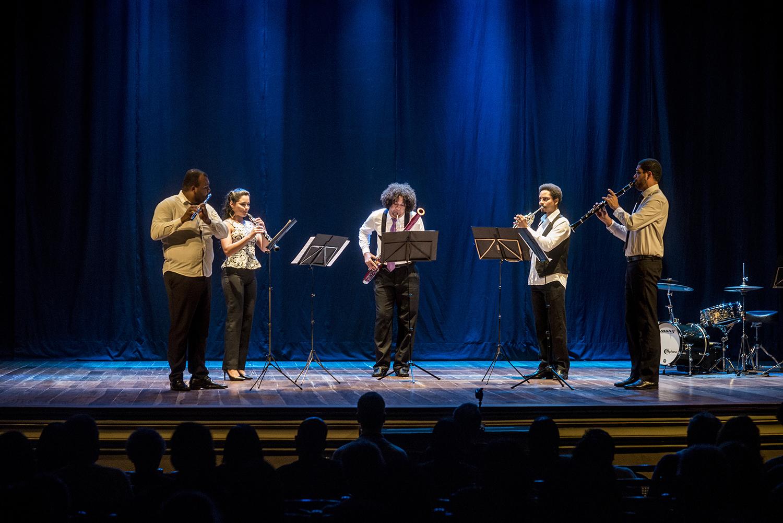 10 06 2018 quinteto lorenzo fernandez centro da m sica for Compositore tedesco della musica da tavola