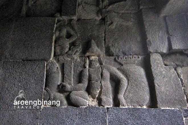 candi banyunibo sleman yogyakarta relief vaisrawana