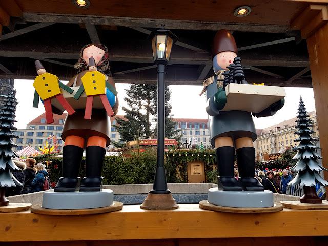 Striezelmarkt -Drezno - Jarmark Struclowy - jarmark świąteczny - jarmark bożonarodzeniowy - Święto Strucli - Stollenfest - podróże z dzieckiem - blog parentingowy
