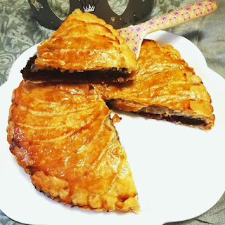 https://danslacuisinedhilary.blogspot.com/2019/01/galette-des-rois-gourmande-au-chocolat.html