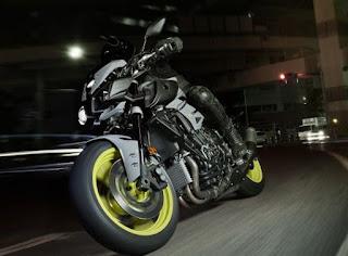 Seperti yang banyak diberitakan bahwa yamaha akan mengeluarkan seri naked motor terbaruny Spesifikasi Yamaha MT 10 Lengkap
