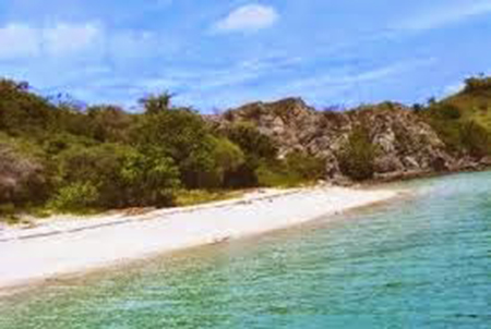 Keindahan Pantai Wae Maras, Manggarai Nusa Tenggara Timur