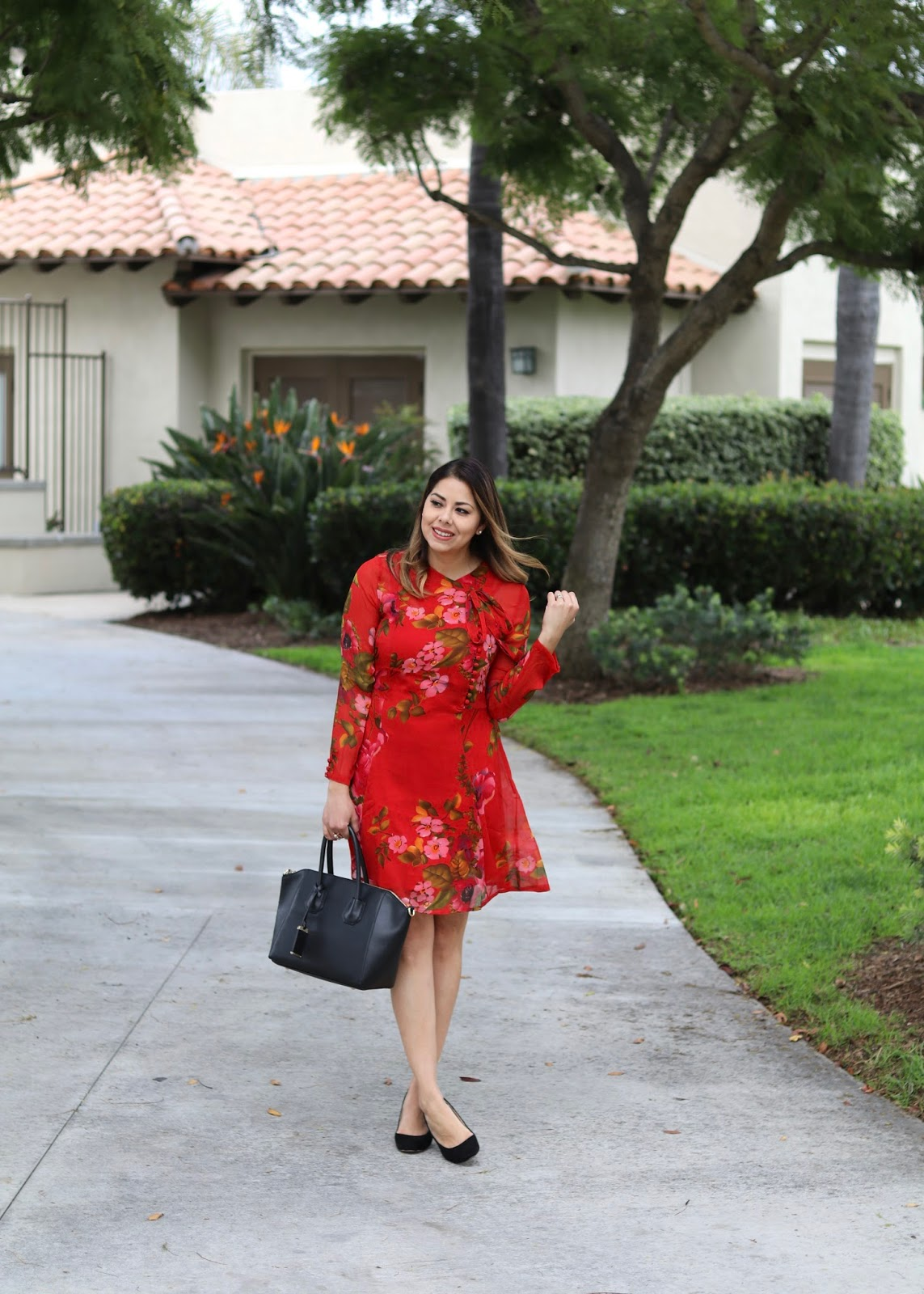 florals in winter, latina style blogger, red and green dress