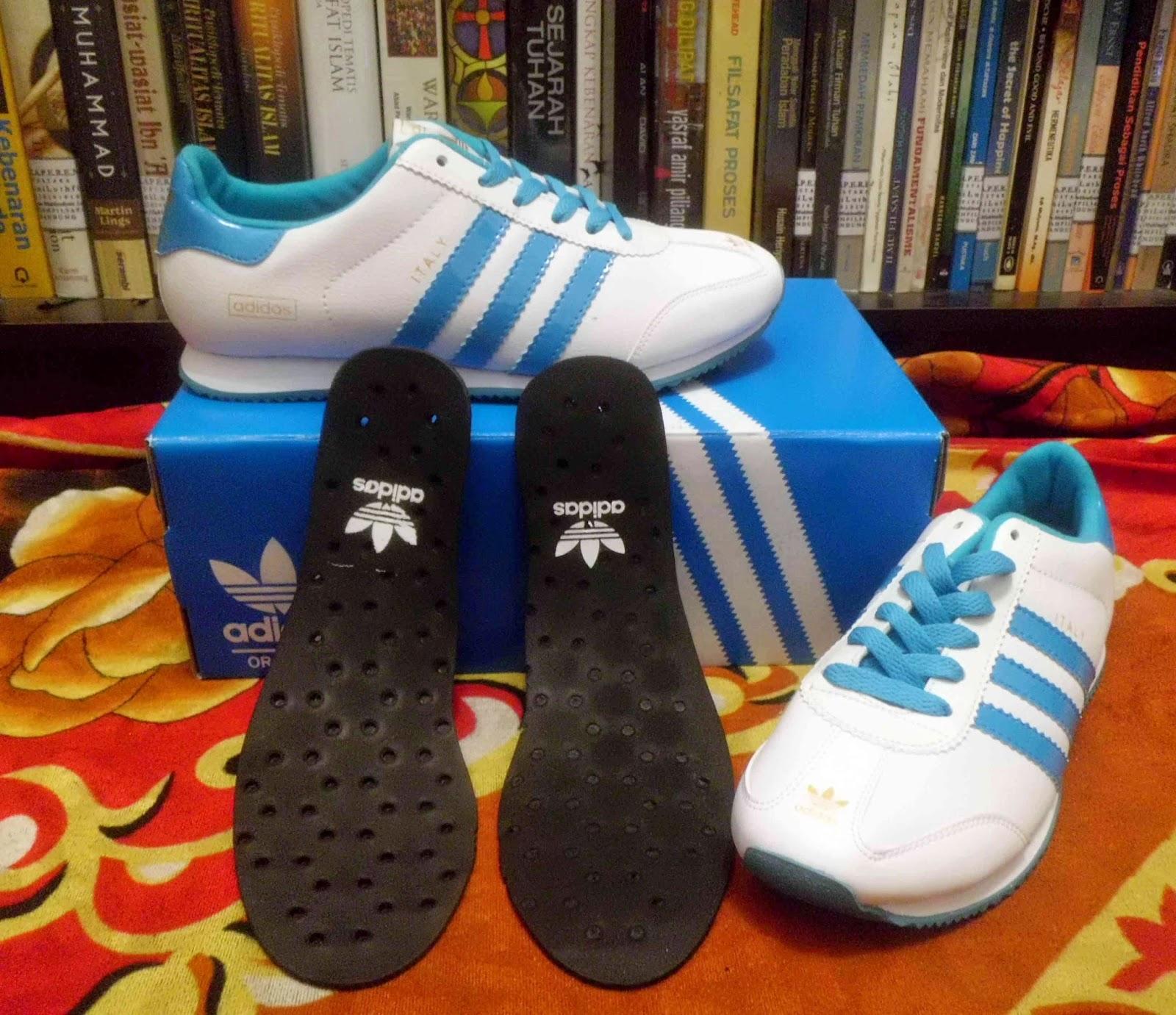 Sepatu Bola Sepatu Tracking Sepatu Sport Sepatu Nike Sepatu Adidas