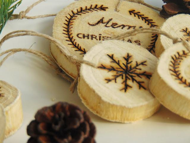 Wood Slice Christmas Ornaments DIY
