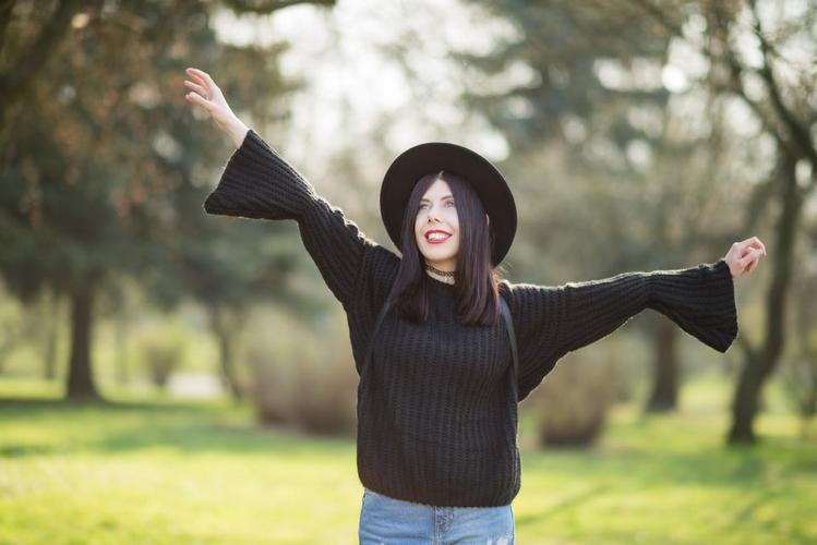 bell-sleeves-sweater-Zaful