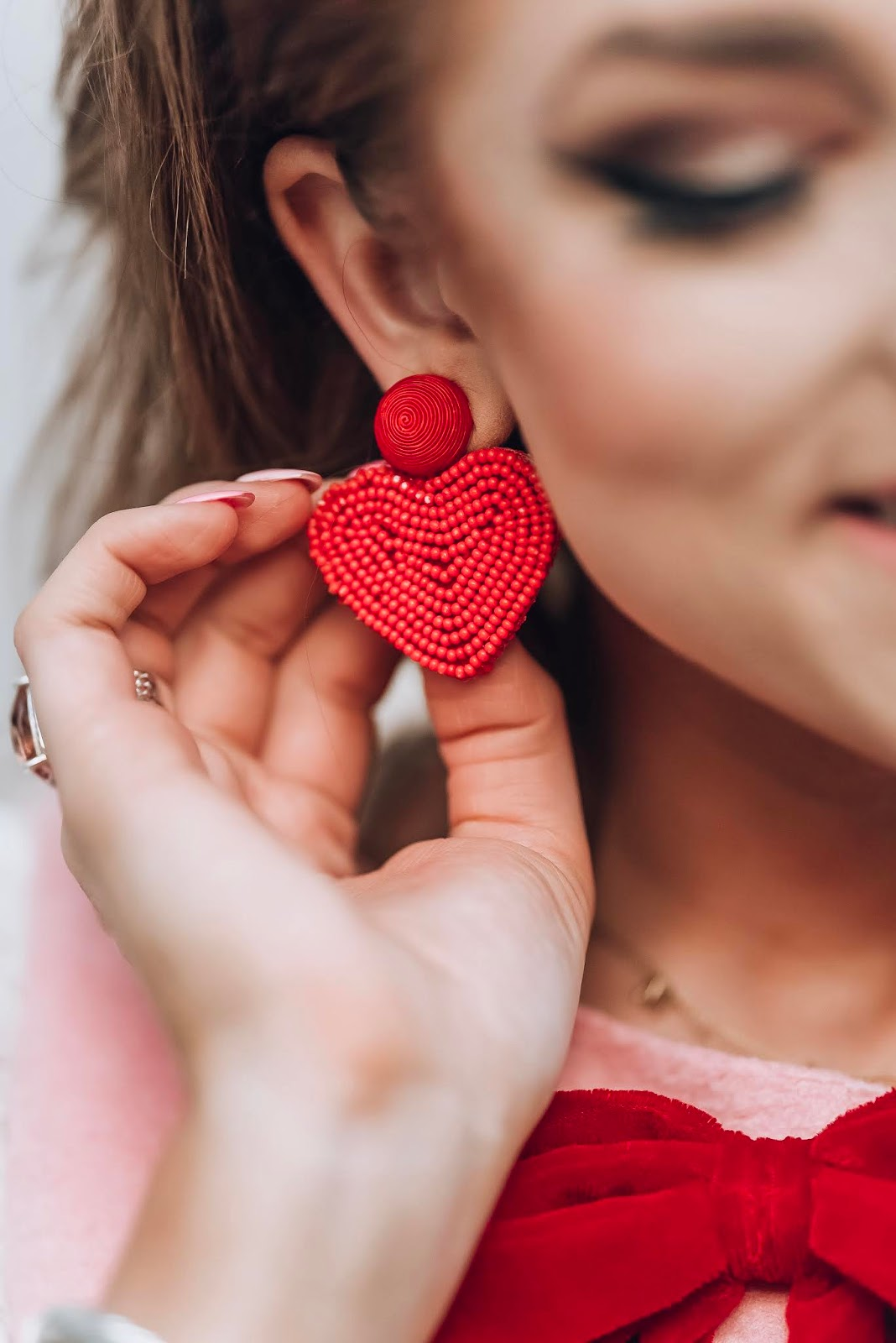Red Heart Earrings - Something Delightful Blog #valentinesday #valentinesdaystyle #kjp #pinkdress #bow #valentine #galentinesday #winterstyle #hearts