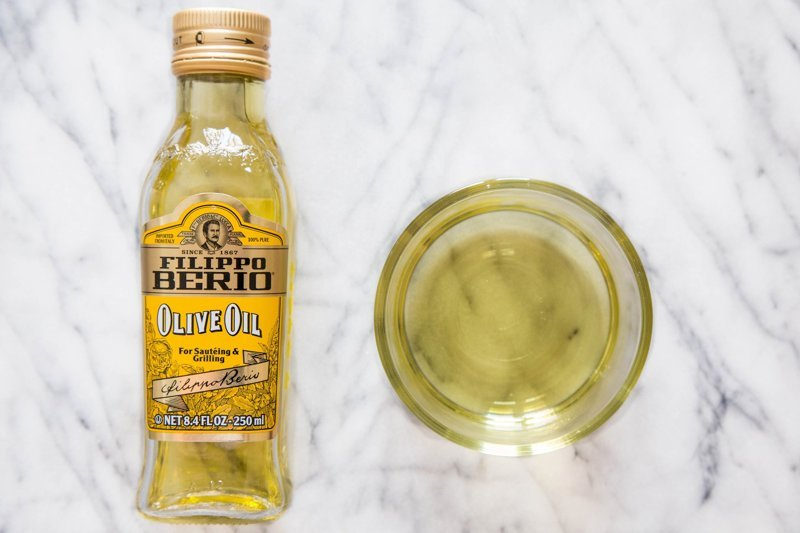 Minyak zaitun pure olive oil