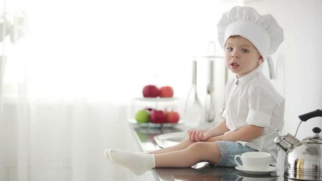 Aşçı çocuk