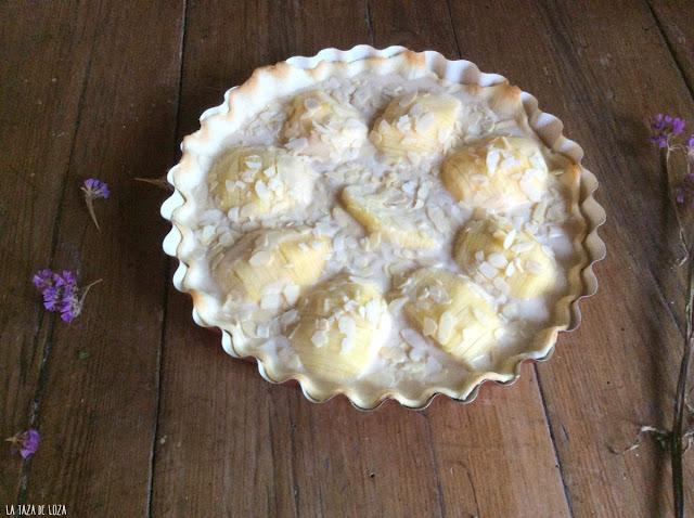 preparación-de-tarta-de-manzana-y-almendras