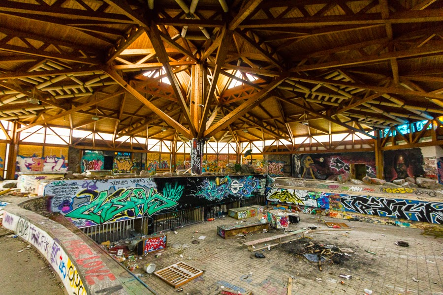 Blubbering mess blub swimming and leisure center abandoned berlin - Indoor swimming pool berlin ...