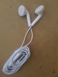 Mendengarkan Dunia Digital Dengan Earphone Berkualitas