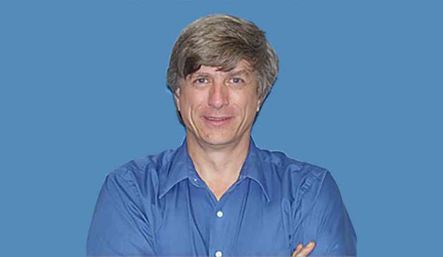 Bradley E. Schaefer, ganador del premio nobel, y profesor de astronomía y astrofísica en la Universidad del Estado de Louisiana.